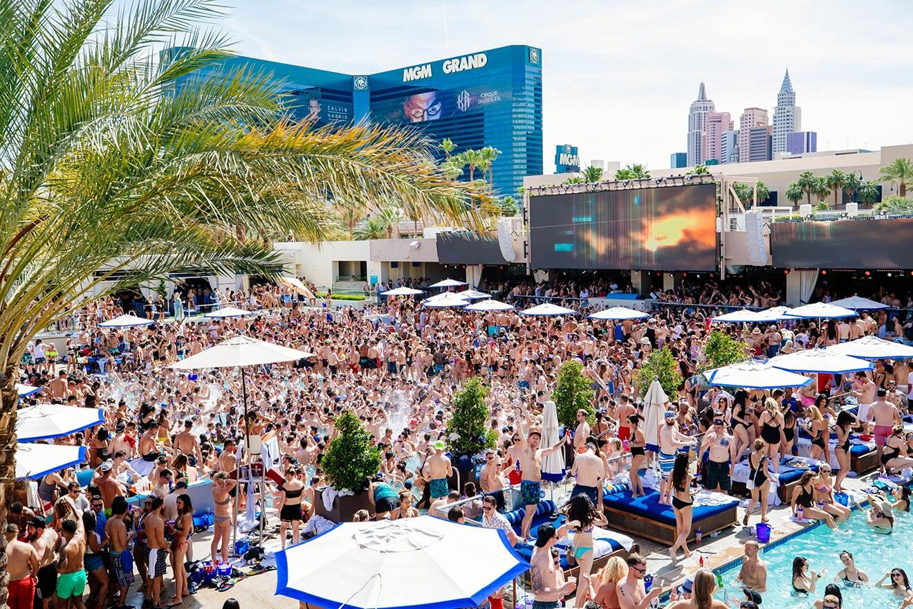 WET REPUBLIC Ultra Pool at MGM Grand Hotel Casino
