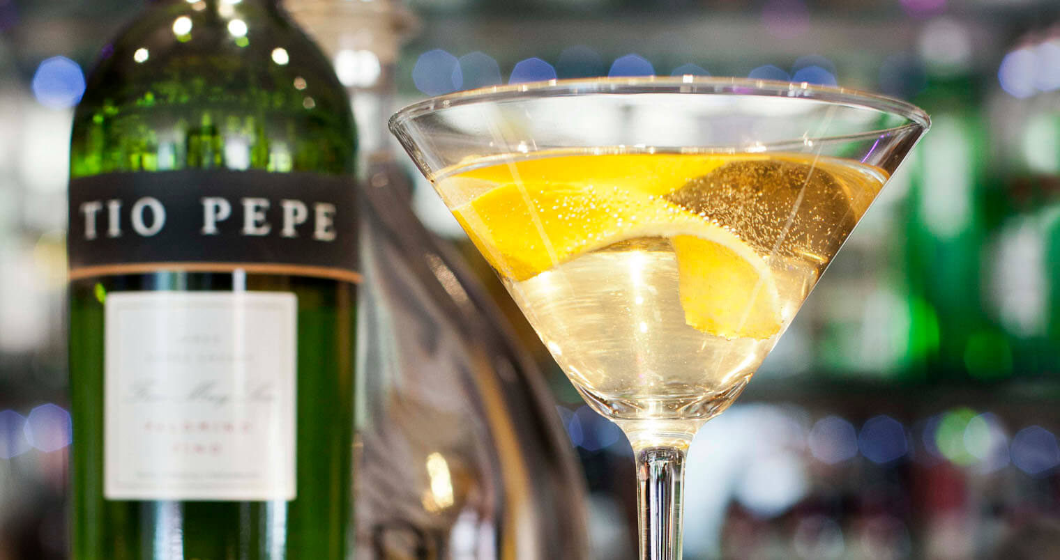 Tío Pepe Martini, bottle and martini cocktail, featured image