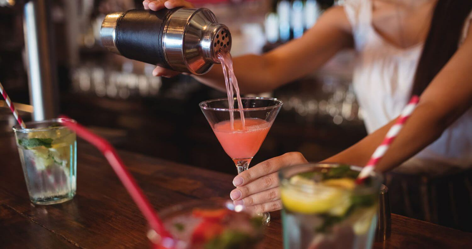 the Perfect Cosmopolitan, being poured, featured image