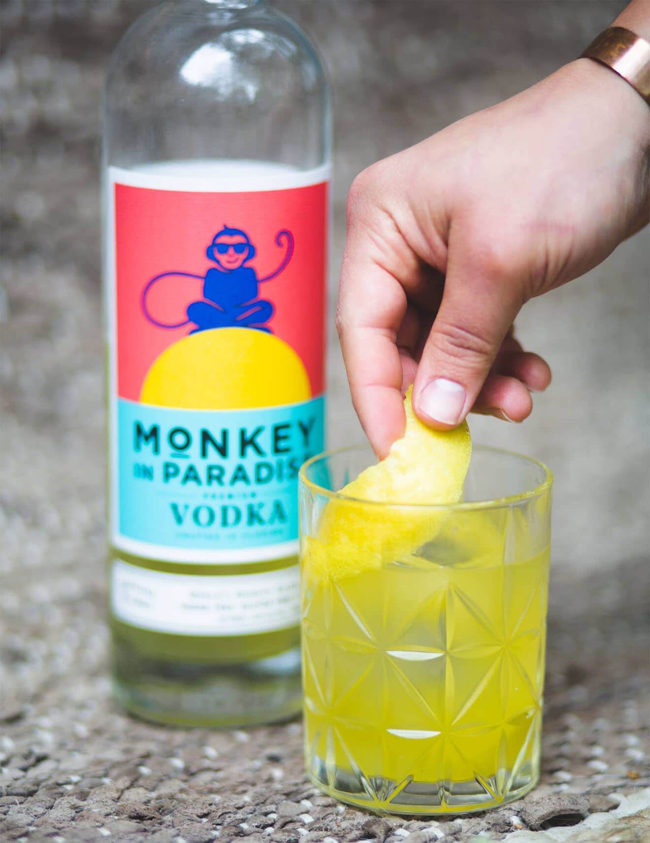 Casa de Cocalero, cocktail with monkey bottle