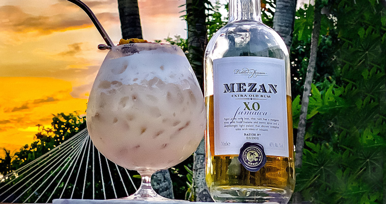 R & R, cocktail and mexan xo rum bottle, tropical background, featured image