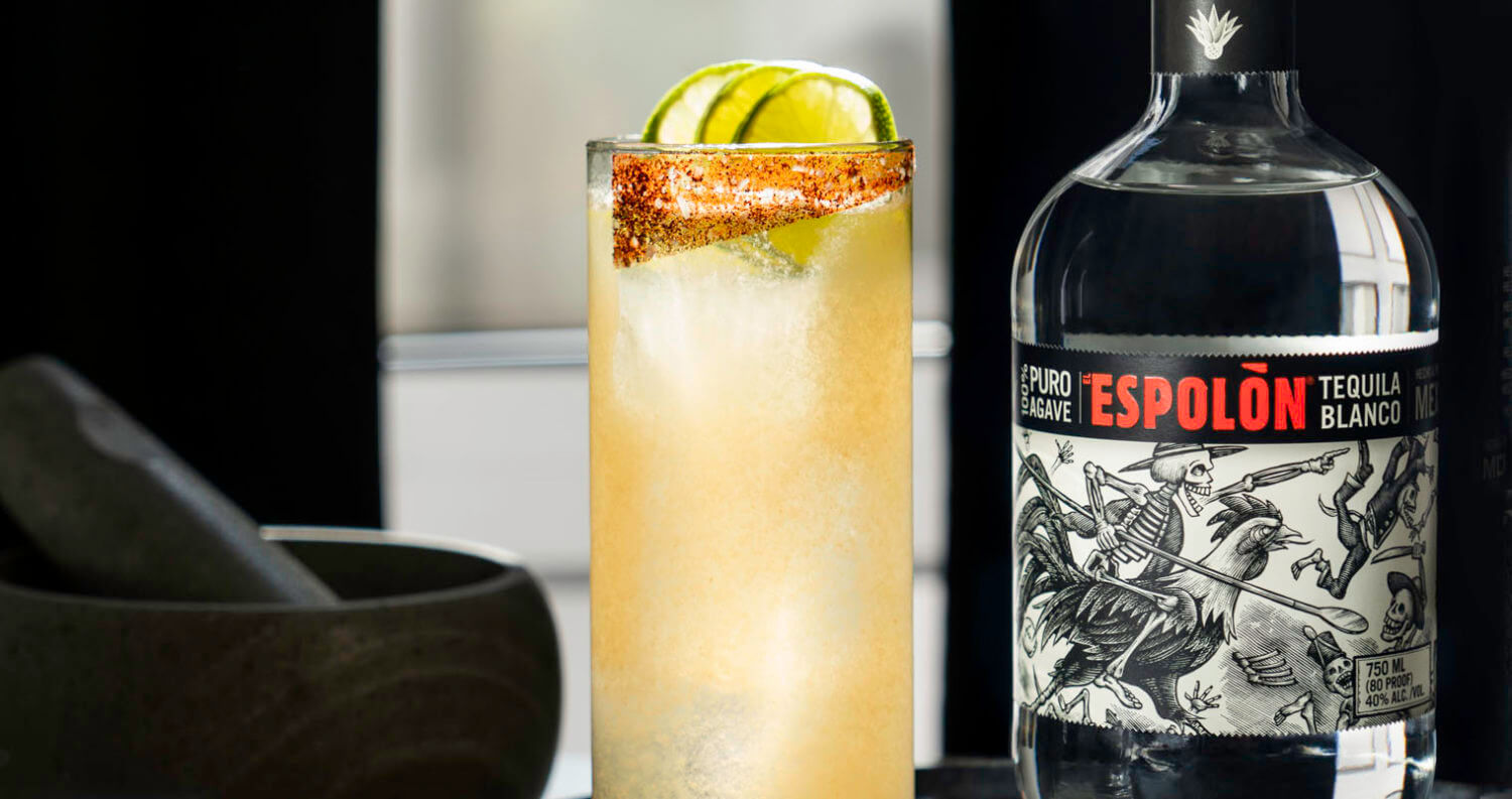 Espolòn Verde Paloma, cocktail and bottle, featured image