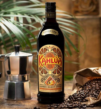 Kahlúa Blonde Roast Style, bottle, perculator, coffee beans, featured image