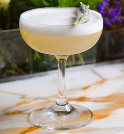 Lavagave cocktail, with garnish, featured image