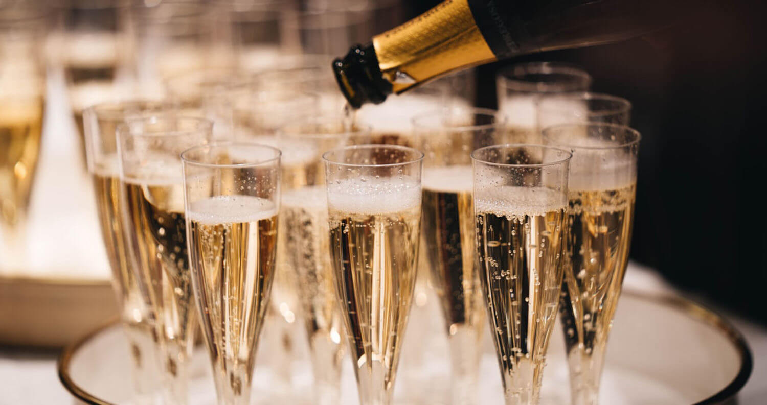 Champagne Pour, featured image
