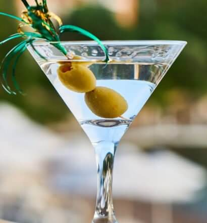 Classic Martini, featured image