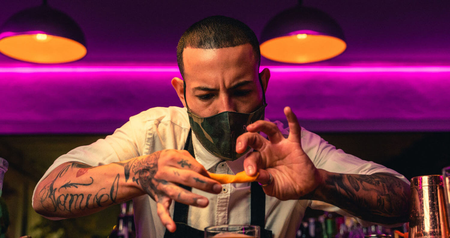 Bartender at work, featured image