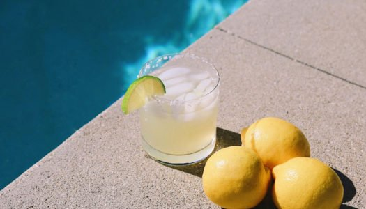 Mastering the Poolside Cocktail
